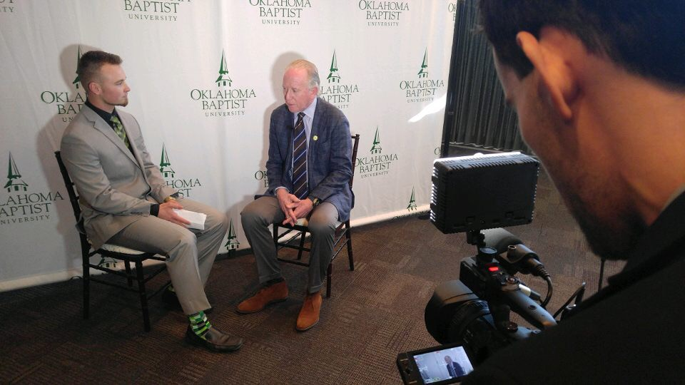 NFL star Archie Manning speaks at OBU gala