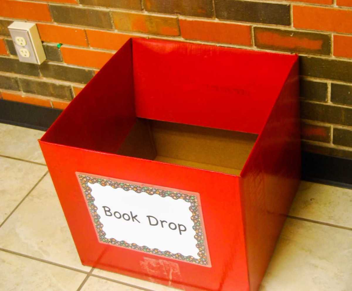 Student Professional Oklahoma Educators hosts book drive